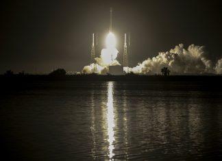 Falcon 9 APTOPIX Satellite Launch