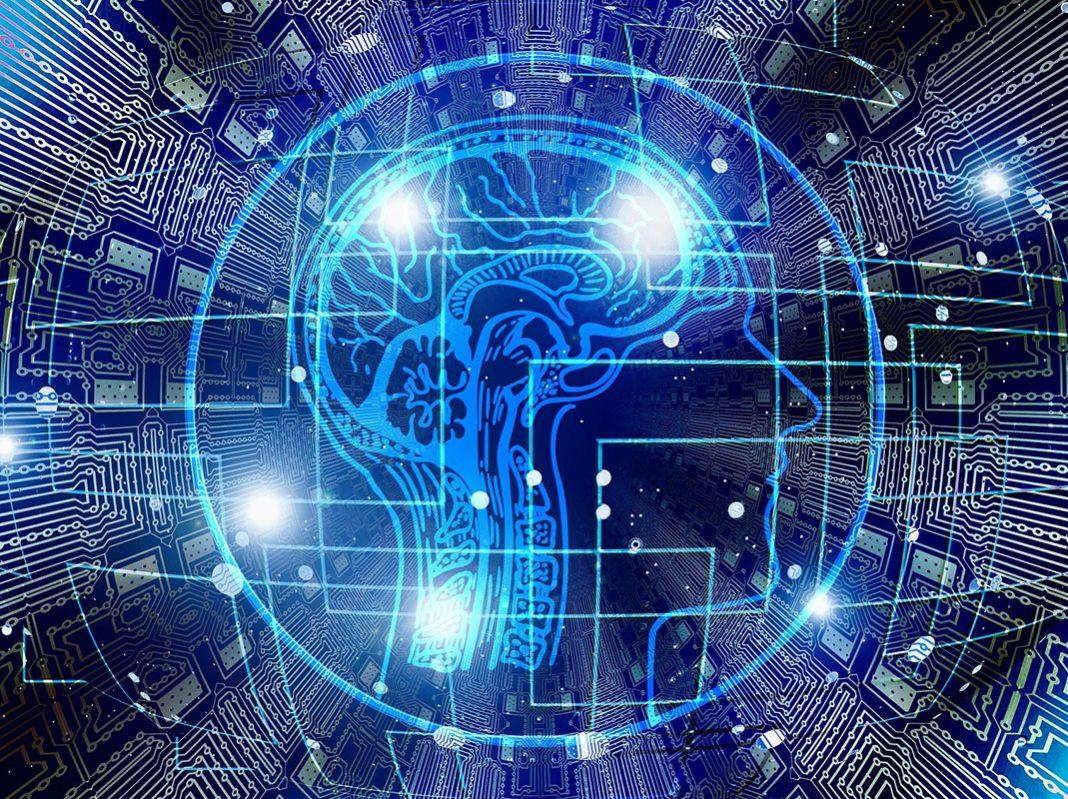 Customer experience, chip e volto d'uomo di profilo con interconnessioni illuminate di blu
