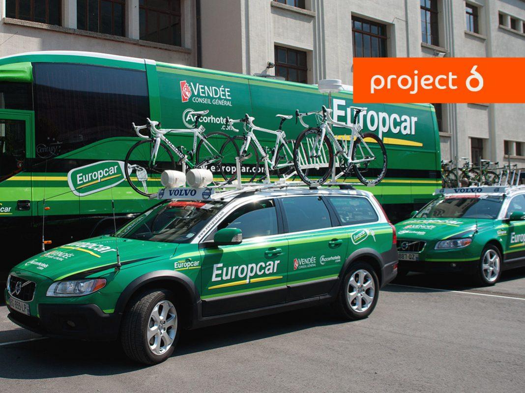 flotta di auto verdi brandizzate con logo Europcar